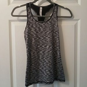 90 degree work out top L Black